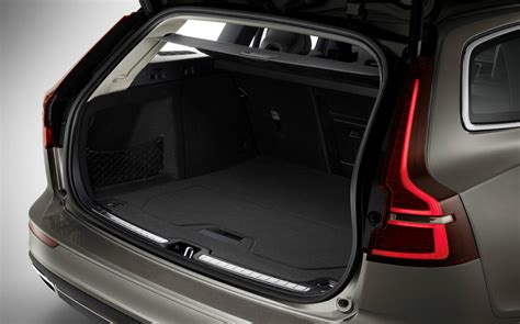 New 2018 Volvo V60 estate puts the boot into Audi and BMW