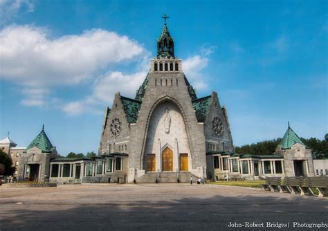 What is the Best Way to Experience the Shrines of Quebec?