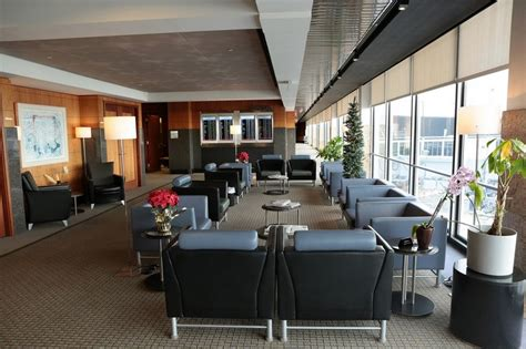 American Airlines International First Class Lounge